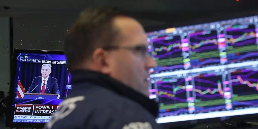 美聯儲如期降息25個基點 美股一度狂瀉500點