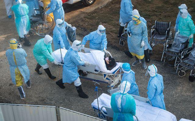 2月4日,武汉火神山医院正式收治病患。新华社