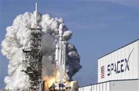 提供补给,支持太空实验!重返月球开拓深空的货运,SpaceX包了