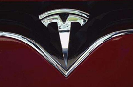 """特斯拉消费者""""出格""""维权揭示电动车行业制度性缺陷"""