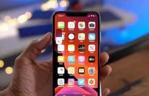 """一部""""非主流""""iPhone的诞生:苹果面临充电口之战"""