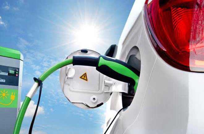车企加快移动出行新能源化布局 电池产业规模达世界第一