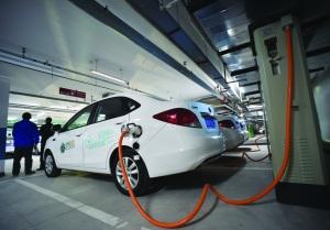 新能源车涨价是自救or自杀?最高涨7万 去年召回14万辆