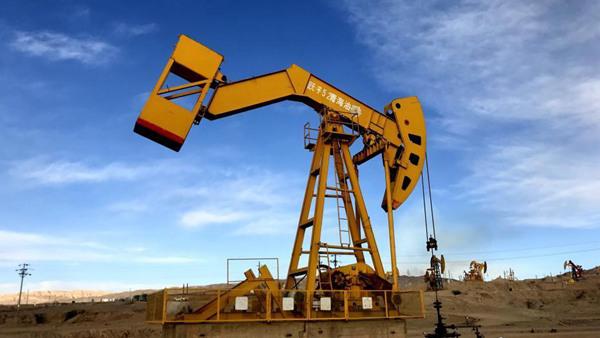 """""""中国版""""原油期货倒计时 公募ETF竞赛提前上演"""